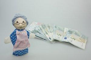 Dividenden Einnahmen aus ETFs oder Aktien ist auch für die Rente interessant.