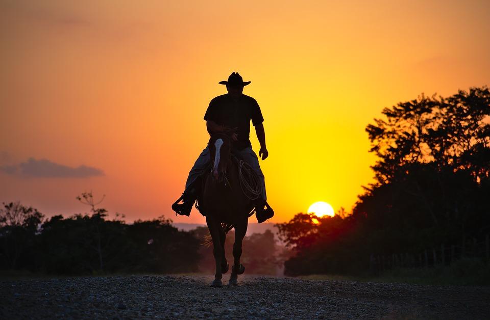 Wer kennt nicht die Werbung von Marlboro? Der wilde Westen: Cowboy
